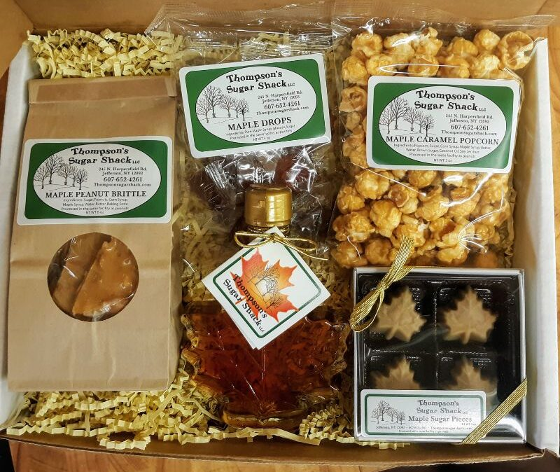 Thompsons Sugar Shack Maple Leaf Gift Box e1612892345104